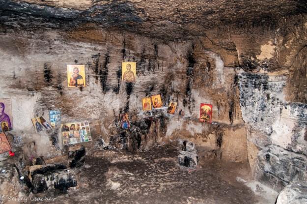 Иконы в катакомбах Святой Соломонии