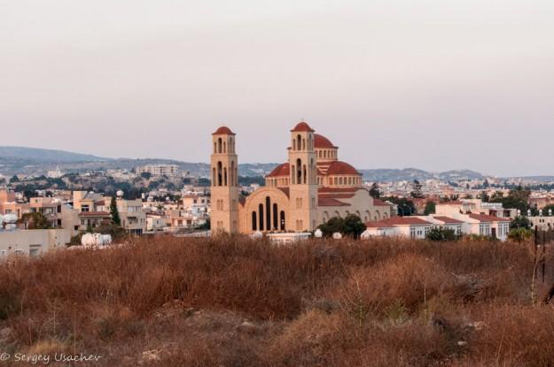 Вид с холма Фабрики на церковь Святых Бессеребреников