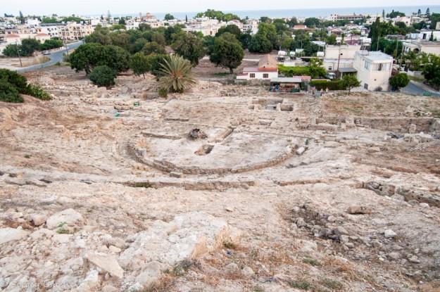 Античный театр (Ruins of Hellenic Theatre) вид с холма