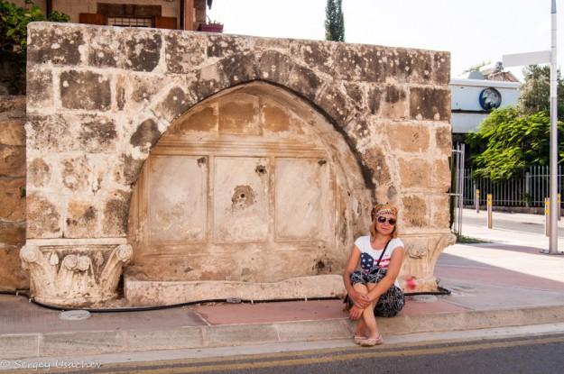 На улице по дороге к Археологическому парку Пафоса