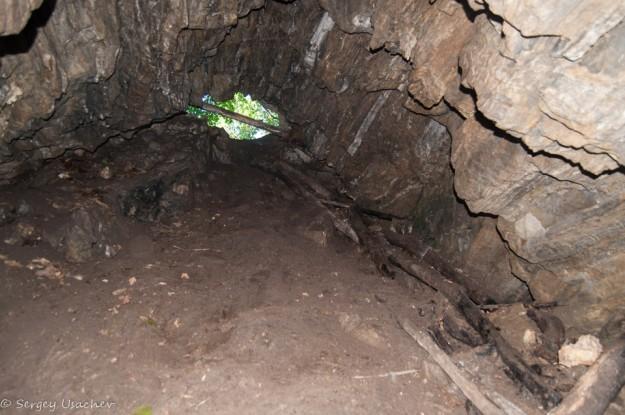 Спуск в пещеру Колобок