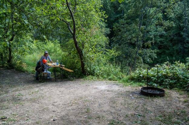 Оборудованное место для стоянки в Мурадымовском ущелье