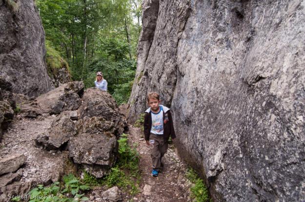Ущелье по пути к Новомурадымовской пещере