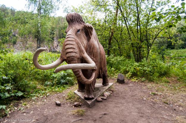 Скульптура Мамонта в заповеднике Шульган-Таш