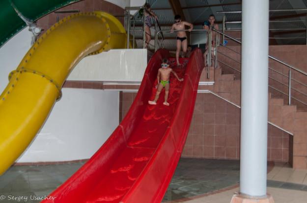 Детская горка в аквапарке «Аквариум» в «Абзаково»