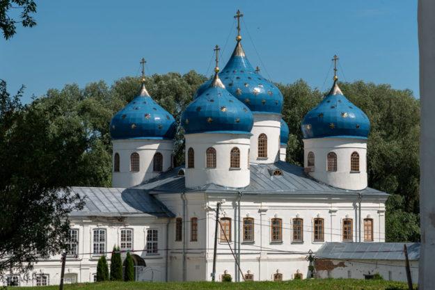 Крестовоздвиженский собор в Свято-Юрьевом монастыре