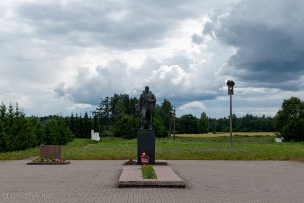 Мемориал в Большом Заречье
