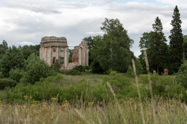 Руины Церкви Святой Троицы в Пятой Горе