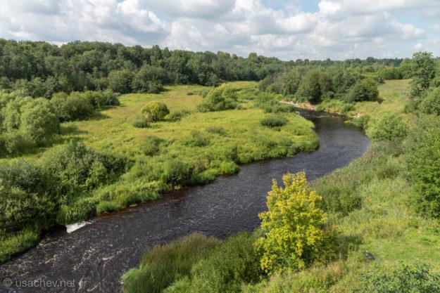 Вид на реку Тосна с моста