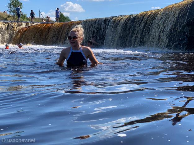 Купание в Тосненском (Гертовском) водопаде