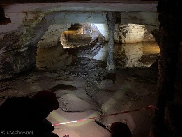 Зеркальная иллюзия в пещере Левобережная (Саблино)