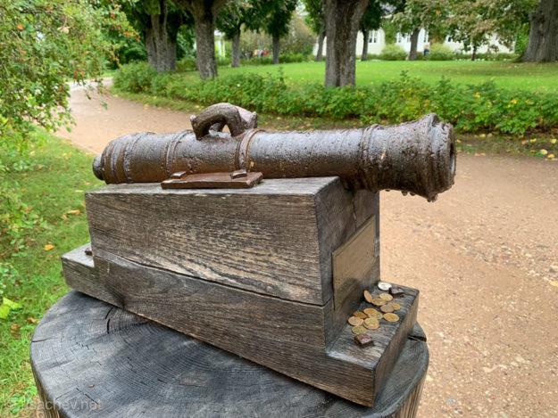 Потешная пушка 1771 года стоявшая на въезде в усадьбу