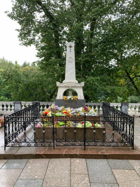 Могила Александра Сергеевича Пушкина