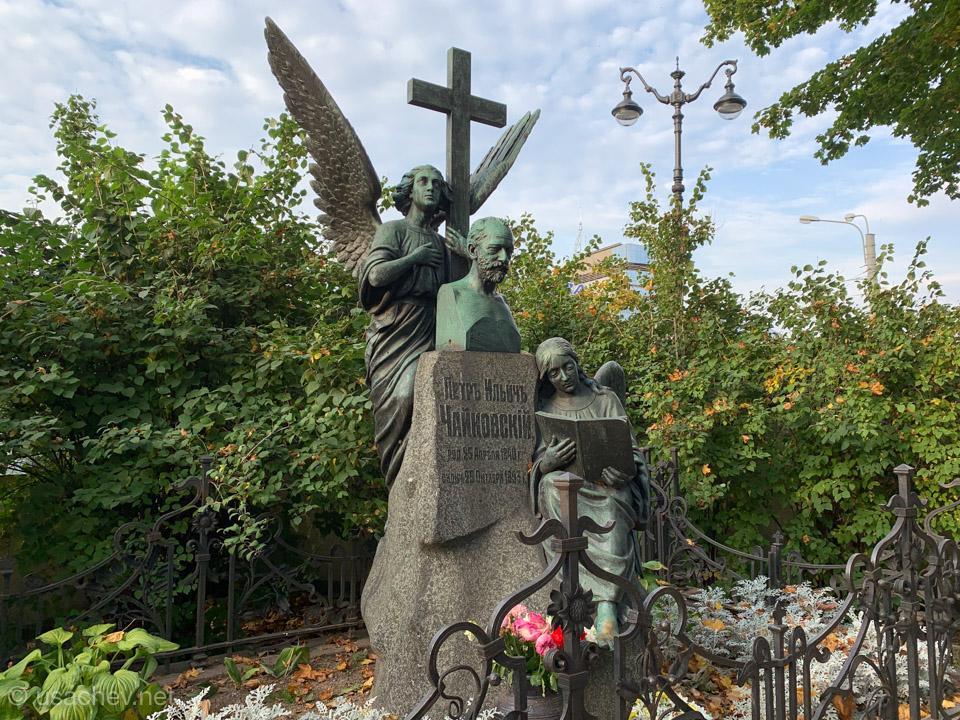 Могила Петра Ильича Чайковского