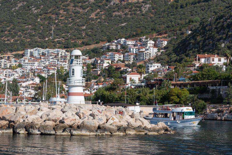 Вид на город Каш с моря