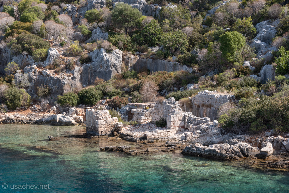 Руины античного города Долихисте (остров Кекова)