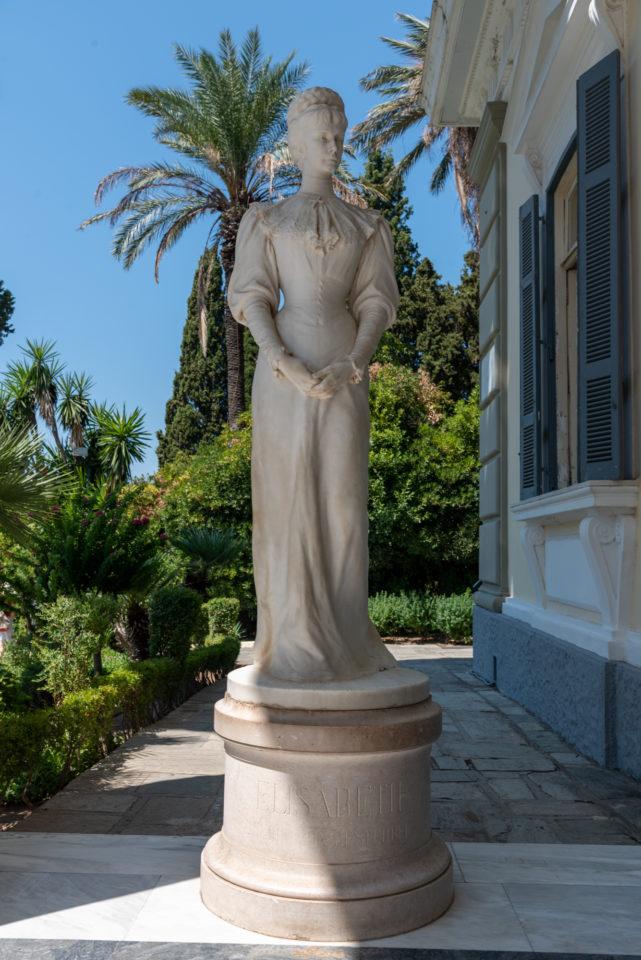 Скульптура императрицы Елизаветы Австрийской (Сиси)
